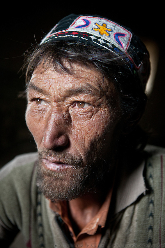 Akbar, one of the poor shepherd of Er Ali Boi..The Kyrgyz settlement of Ech Keli, above Chaqmaqtin lake, Er Ali Boi's winter camp...Trekking through the high altitude plateau of the Little Pamir mountains (average 4200 meters) , where the Afghan Kyrgyz community live all year, on the borders of China, Tajikistan and Pakistan.