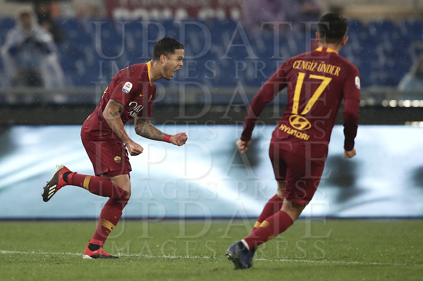 Football, Serie A: AS Roma - Genoa, Olympic stadium, Rome, December 16, 2018. <br /> Roma's Justin Kluivert (l) celebrates after scoring during the Italian Serie A football match between Roma and Genoa at Rome's Olympic stadium, on December 16, 2018.<br /> UPDATE IMAGES PRESS/Isabella Bonotto