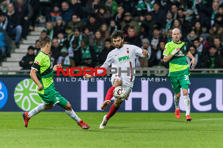 10.02.2019, Weserstadion, Bremen, GER, 1.FBL, Werder Bremen vs FC Augsburg<br /> <br /> DFL REGULATIONS PROHIBIT ANY USE OF PHOTOGRAPHS AS IMAGE SEQUENCES AND/OR QUASI-VIDEO.<br /> <br /> im Bild / picture shows<br /> Max Kruse (Werder Bremen #10), Jan Moravek (FC Augsburg #14), Davy Klaassen (Werder Bremen #30), <br /> <br /> Foto &copy; nordphoto / Ewert