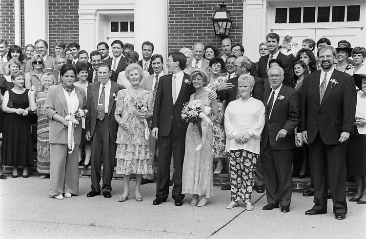 Rep. Susan Molinari, R-N.Y. and Rep. Bill Paxon, R-N.Y. wedding party on June 3, 1994. (Photo by Tim Burger/CQ Roll Call)