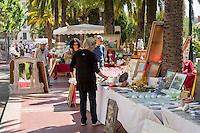 France, Provence-Alpes-Côte d'Azur, Villefranche-sur-Mer: antique market in town centre | Frankreich, Provence-Alpes-Côte d'Azur, Villefranche-sur-Mer: Antiquitaeten-Markt im Ortszentrum