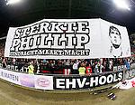Nederland, Eindhoven, 29 maart 2014<br /> Eredivisie<br /> Seizoen 2013-2014 <br /> PSV-FC Groningen <br /> Supporters van PSV tonen een spandoek met de tekst: 'Sterkte Phillip (Phillip Cocu, trainer-coach van PSV), eendracht maakt macht'.