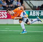 AMSTELVEEN -  Tim Swaen (Bldaal) tijdens de play-offs hoofdklasse  heren , Amsterdam-Bloemendaal.   COPYRIGHT KOEN SUYK