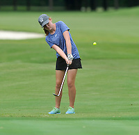 NWA Democrat-Gazette/MICHAEL WOODS &bull; @NWAMICHAELW<br /> Rogers golfer Payton Smith chips onto the green Tuesday August 4, 2015 during the golf tournament at the Springdale Country club.