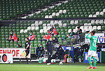 Trainer Florian Kohfeldt (Bremen) vor leerer Kulisse beim Geisterspiel.<br /><br />Sport: Fussball: 1. Bundesliga: Saison 19/20: 26. Spieltag: SV Werder Bremen - Bayer 04 Leverkusen, 18.05.2020<br /><br />Foto: Marvin Ibo GŸngšr/GES /Pool / via gumzmedia / nordphoto