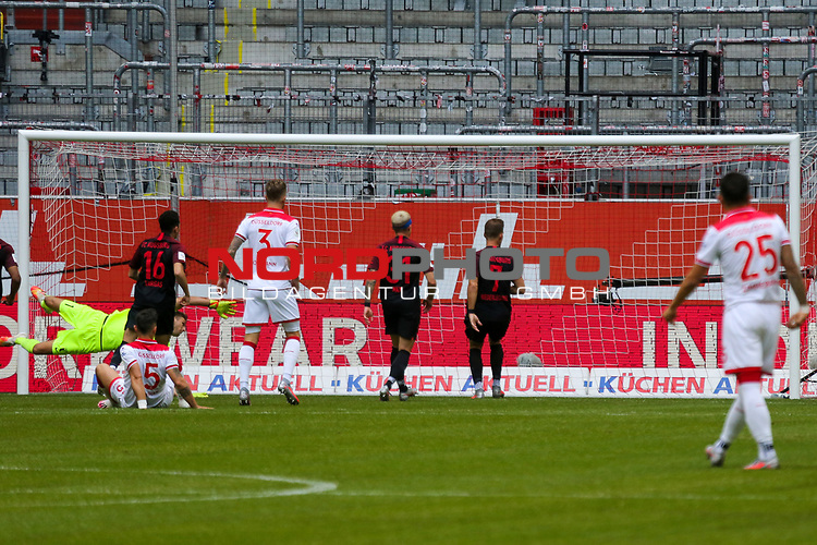 Vorm Tor<br />