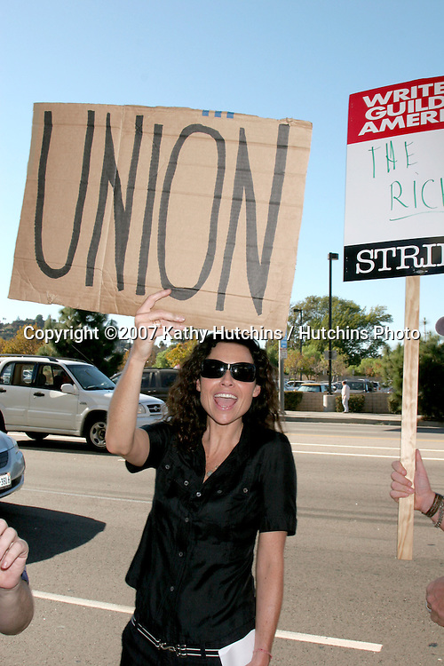 Minnie Driver.Screen Actor's Guild Support the Writer's Guild of America Strike.Outside NBC/Universal Studios Lot.Lankershim Blvd.Los Angeles, CA.November 13, 2007.©2007 Kathy Hutchins / Hutchins Photo...               .