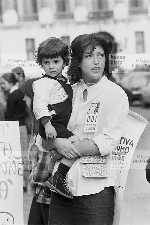 - women's demonstration of the UDI (Union of Italian Women) (Milan, 1976)<br /> <br /> - manifestazione donne dell'UDI (Unione Donne Italiane) (Milano,1976)
