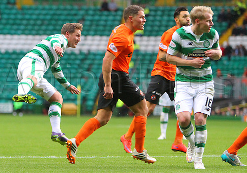 25.10.2015. Glasgow, Scotland. Scottish Premier League. Celtic versus Dundee United. Kris Commons scores from the edge of the box