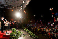 il segretario generale della Cgil Guglielmo Epifani parla sul palco della manifestazione nazionale a Roma, 14 novembre 2009, contro le politiche economiche e sociali del governo..Cgil main italian union's secretary general Guglielmo Epifani speaks on stage during the union's rally in Rome, 14 november 2009, against government's economic and social policies..UPDATE IMAGES PRESS/Riccardo De Luca