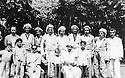 Irak 1958.Bagdad: au premier rang de droite a gauche, Masoud Barzani, Sheikh Ahmed Barzani,Imad Barzani, Sheikh Latif, Saber Barzani , Abdel Rahim Saleh Barzani.Iraq 1958.Baghdad; Sheikh Ahmed Barzani  with his family