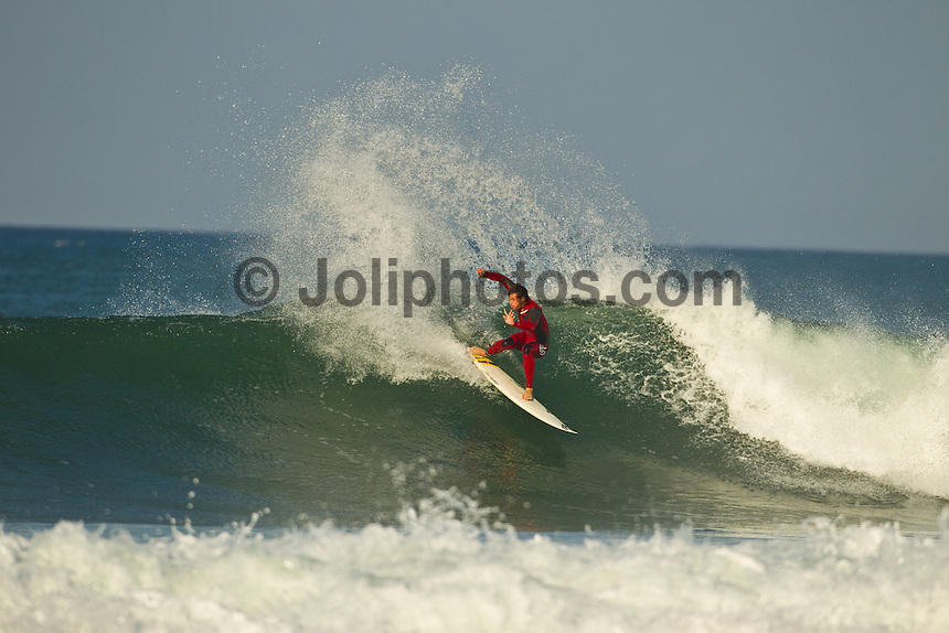 Jeffreys Bay, Eastern Cape, South Africa. Monday July 18 2011. Alejo Muniz (BRA). Freesurfing at Supertubes in 2'-4' clean south easterly swell.  Photo: joliphotos.com