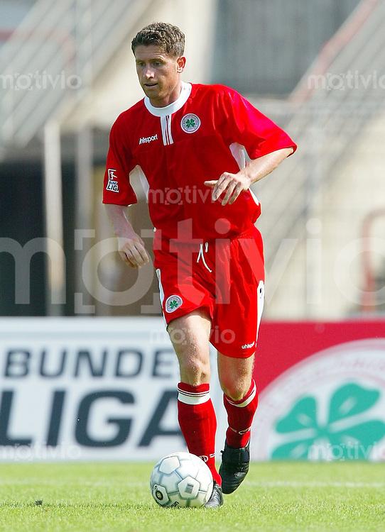 FUSSBALL 2. Bundesliga 2003/2004 Adrian ALIAJ, Einzelaktion am Ball Rot-Weiss Oberhausen