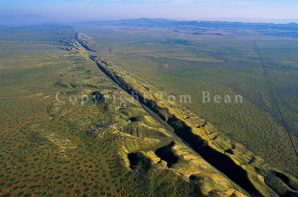 The San Andreas Fault cuts across the Carrizo Plain in San Louis Obispo County, aerial view, California, AGPix_0054.