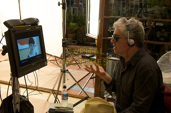 PEDRO ALMODOVAR (DIRECTOR).on the set of Broken Embraces (Los abrazos rotos).*Filmstill - Editorial Use Only*.CAP/PLF.Supplied by Capital Pictures.