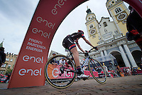 Chad Haga (USA/Giant-Alpecin) into/onto the start podium (area)<br /> <br /> stage 16: Bressanone/Brixen - Andalo 132km<br /> 99th Giro d'Italia 2016
