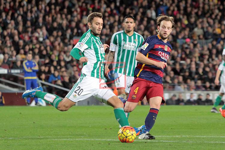 League BBVA 2015/2016. Game: 17.<br /> FC Barcelona vs Real Betis: 4-0.<br /> Pezzella vs Ivan Rakitic.