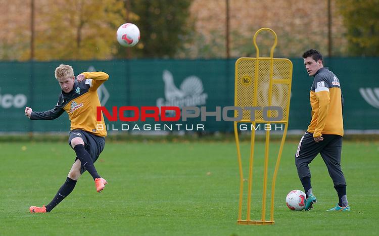 25.10.2012, Trainingsgelaende, Bremen, GER, 1.FBL, Training Werder Bremen, im Bild Kevin de Bruyne (Bremen #6, links), Zlatko Junuzovic (Bremen #16)<br /> <br /> // during training session of Werder Bremen on 2012/10/25, Trainingsgelaende, Bremen, Germany.<br /> Foto &copy; nph / Frisch *** Local Caption ***