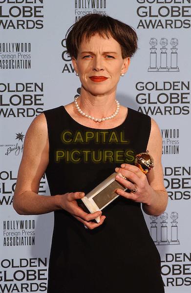 JUDY DAVIS.Golden Globe Awards 2002.Ref: AW.half length, half-length, award winner.www.capitalpictures.com.sales@capitalpictures.com.© Capital Pictures.