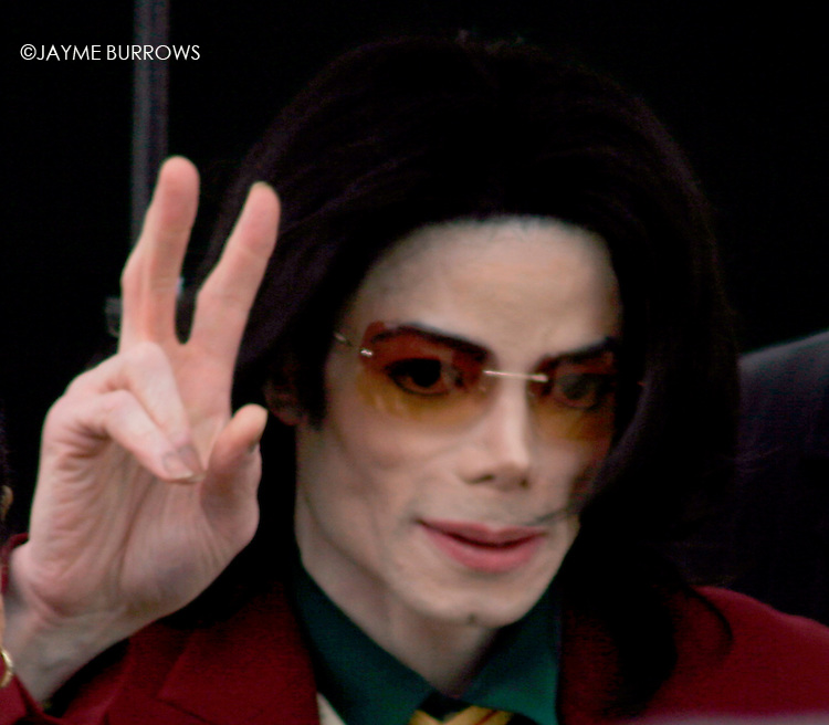 Michael Jackson leaves the courtroom after the 14th day of his child molestation trial in Santa Maria, Calif on Thursday, March 17, 2005.  ..