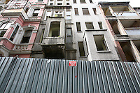 Istanbul, grandi opere nel quartiere Tarlabasi, distruzione di edifici storici