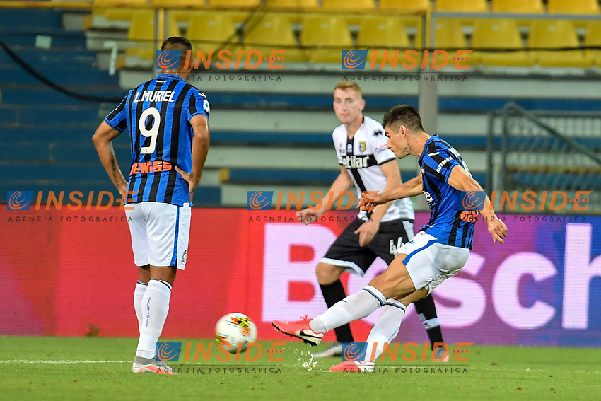 Ruslan Malinovskyi of Atalanta BC scores the goal of 1-1 during the Serie A football match between Parma Calcio and Atalanta BC at Ennio Tardini stadium in Parma (Italy), July 28th, 2020. Play resumes behind closed doors following the outbreak of the coronavirus disease. Photo Andrea Staccioli / Insidefoto