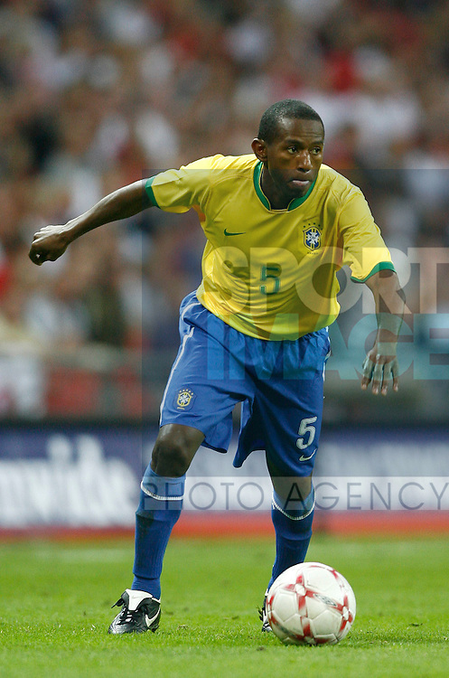 Brazil's Mineiro..International Friendly..England v Brazil..1st June, 2007..--------------------..Sportimage +44 7980659747..admin@sportimage.co.uk..http://www.sportimage.co.uk/