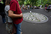 New York, Usa, Giugno 2007. The Strawberry Fields, John Lennon Memorial at the Central Park in New York