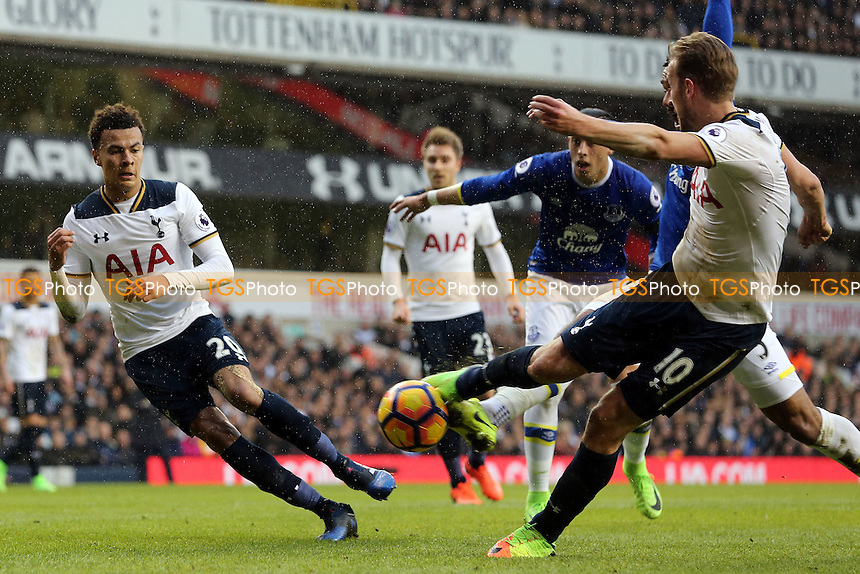 Harry Kane of Tottenham Hotspur goes close during Tottenham Hotspur vs Everton, Premier League Football at White Hart Lane on 5th March 2017