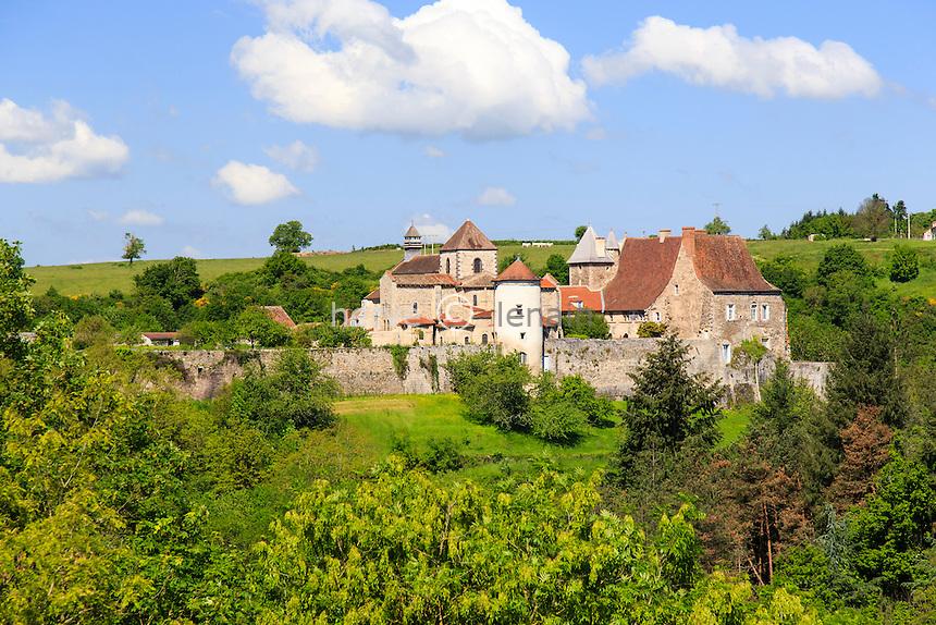 France, Allier (03), Chantelle, abbaye Saint-Vincent de Chantelle // France, Allier, Chantelle, Saint-Vincent de Chantelle abbey