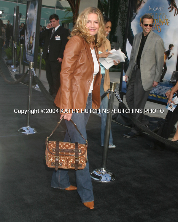 "©2004 KATHY HUTCHINS /HUTCHINS PHOTO.LEMONY SNICKETS - .A SERIES OF UNFORTUNATE EVENTS"".LOS ANGELES, CA.DECEMBER 12, 2004..ELIZABETH SHUE"