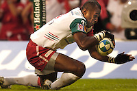 Cardiff, WALES.  Sereli Bobo, touches down in the corner to score Biarritz's  first try in the Heineken Cup Final, between Biarritz Olympique vs Munster Rugby, at the Millennium Stadium,  20.05.2006. © Peter Spurrier/Intersport-images.com,  / Mobile +44 [0] 7973 819 551 / email images@intersport-images.com.   [Mandatory Credit, Peter Spurier/ Intersport Images].14.05.2006   [Mandatory Credit, Peter Spurier/ Intersport Images].