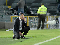 BOGOTÁ -COLOMBIA, 05-10-2014. Juan Carlos Osorio técnico de Atlético Nacional gesticula durante partido con Independiente Santa Fe por la fecha 13 de la Liga Postobón  II 2014 jugado en el estadio Nemesio Camacho el Campín de la ciudad de Bogotá./ Juan Carlos Osorio coach of Atletico Nacional gestures during match against Independiente Santa Fe for the 13th date of Postobon League II 2014 played at Nemesio Camacho El Campin stadium in Bogotá city. Photo: VizzorImage/ Gabriel Aponte / Staff