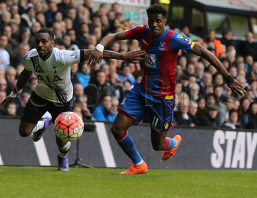 21.02.2016. White Hart Lane, London, England. Emirates FA Cup 5th Round. Tottenham Hotspur versus Crystal Palace. Danny Rose and Wilfried Zaha chase the ball