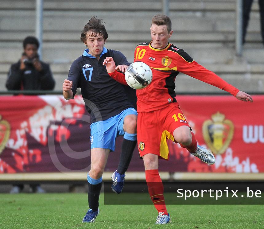 Belgium U19 - England U19 : Benjamin Pearson (17) and Rob Schoofs (10).foto DAVID CATRY / Nikonpro.be