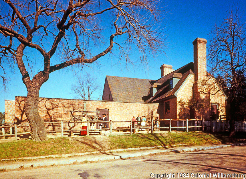 Williamsburg:  -the Public Gaol.
