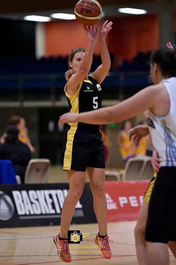 Jenna Kensington in action during the WBC - Te Tai Takerau Pheonix v Taranaki Thunder at Te Rauparaha Arena, Porirua, New Zealand on Friday 5 June 2015.<br /> Photo by Masanori Udagawa. <br /> www.photowellington.photoshelter.com.