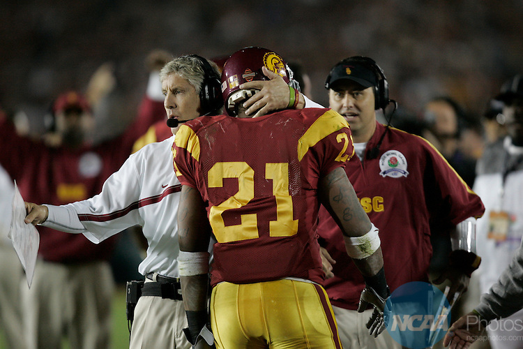 04 JAN 2006:  The University of Southern California Trojans and the University of Texas Longhorns battle for the BCS National Championship Game at the Rose Bowl in Pasadena, CA.  Texas defeated USC 41-38 for the national title.  Jamie Schwaberow/NCAA Photos