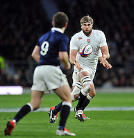 Geoff Parling of England receives the ball. RBS Six Nations match between England and Scotland on March 14, 2015 at Twickenham Stadium in London, England. Photo by: Patrick Khachfe / Onside Images