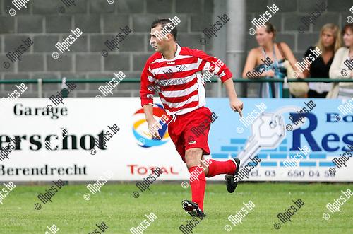 2010-07-31 / Seizoen 2010-2011 / Voetbal / Zandvliet Sport / Michel Hindrickx..Foto: mpics
