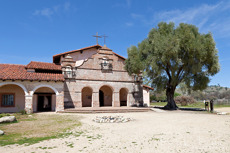 """Mission San Antonio de Padua sits within the """"Valley of the Oaks"""" in Monterey County near the town of Jolon. The mission was founded on July 14, 1771 by Father Junipero Serra and was the third mission in Alta California. Mission San Antonio de Padua is located on eighty pristine acres on what was once the Milpitas Unit of the Hearst Ranch and is today surrounded by the Army's Fort Hunter Ligget Military Reservation."""