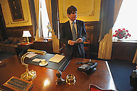 Beleaguered Illinois Governor Rod Blagojevich prepares notes in his final act in the governor's office in Springfield before speaking in his own defense at his impeachment hearing at the state capitol in Springfield, Illinois on January 29, 2009.  Blagojevich said he rarely sticks to his notes but uses them for support and back-up.