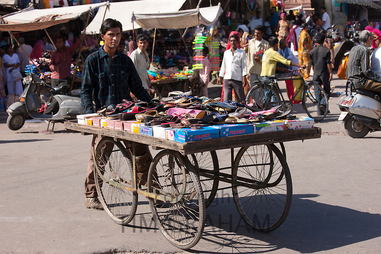 Street scene at Sardar Market at Girdikot, Jodhpur, Rajasthan, Northern India