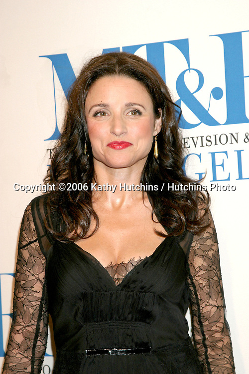 Julia Louis-Dreyfus.Museum of TV & Radio Annual Gala IHO Les Moonves and Jerry Bruckheimer.Regent Beverly Wilshire Hotel.Beverly Hills, CA.October 30, 2006.©2006 Kathy Hutchins / Hutchins Photo....