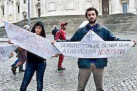 Roma 11 Ottobre  2013<br /> Manifestazione degli studenti medi  contro il decreto scuola, del Governo Letta.Manifestanti contro la legge Bossi-Fini<br /> Demonstration of high school students against the decree School of the  Government Letta