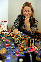 Barbara Bricca,bijoux.Porte aperte alla Upter.Mostra mercato di artigiani, artisti e cultori del vintage ospitata nei locali della Università Popolare di Roma. La manifestazione si tiene ogni terza domenica del mese..Doors open at Upter.Trade Show fair of artisans, artists and lovers of Vintage. The event is in the premises of the Popular University of Rome and is held every third Sunday of the month..