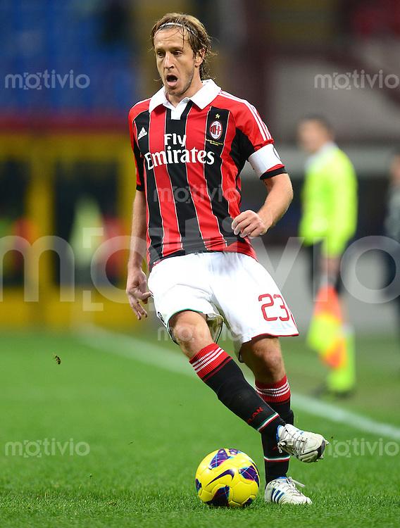 FUSSBALL INTERNATIONAL   SERIE A   SAISON 2012/2013    AC Mailand - Fiorentina  11.11.2012 Massimo Ambrosini (AC Mailand)