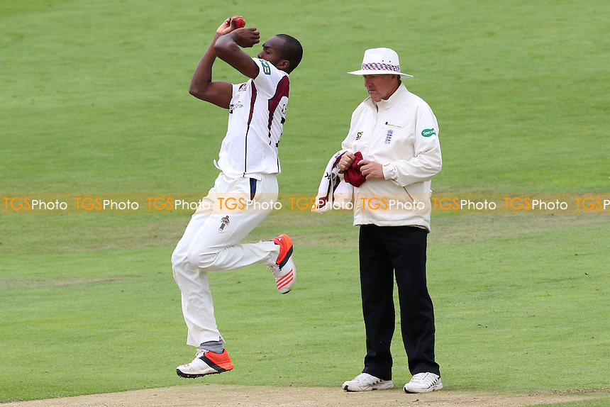 Maurice Chambers in bowling action for Northamptonshire CCC