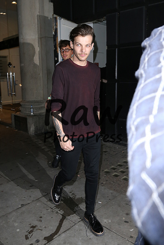 Muchas caras conocidas han asistido al concierto de Libertines en Londres.<br /> <br /> December 14, 2015<br /> <br /> Celebrities are seen arriving at Libertine night club for a night out in London, England.<br /> <br /> Non-Exclusive<br /> WORLDWIDE RIGHTS<br /> <br /> Pictures by : FameFlynet UK &copy; 2015<br /> Tel : +44 (0)20 3551 5049<br /> Email : info@fameflynet.uk.com