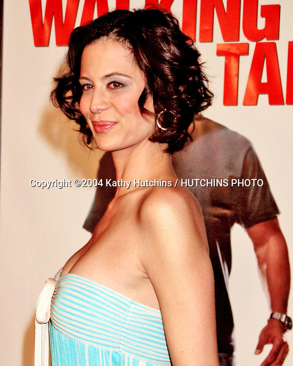 """©2004 KATHY HUTCHINS / HUTCHINS PHOTO.PREMIERE OF """" WALKING TALL """".GRAUMAN'S CHINESE THEATER.HOLLYWOOD, CA.MARCH 29, 2004..CATHERINE BELL"""